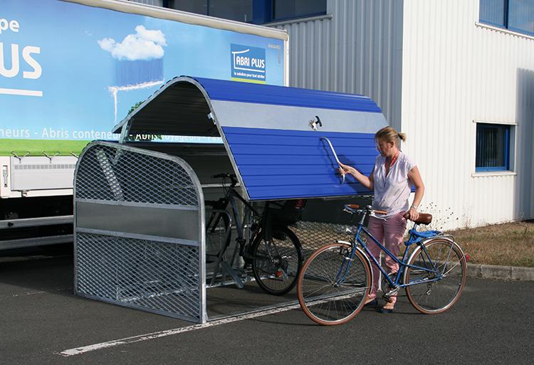 Abri Plus - Bikehangar Cooma - Ouverture facile de la porte par les cyclistes - Chalon sur Saône (71)