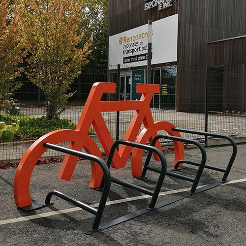 Rack vélos design pour installation temporaire