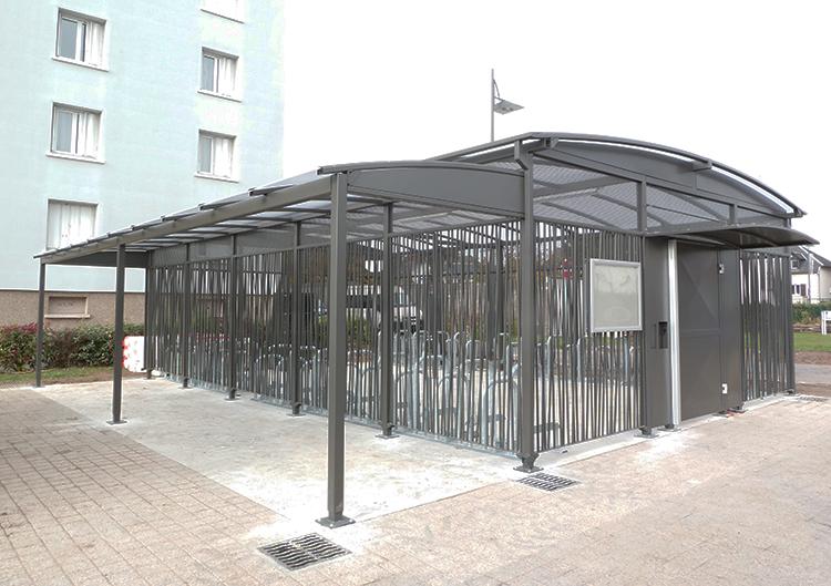Abri Plus - Parc à vélo abrité et sécurisé - Abris velos ModulEre - Agglomération de Tours - Gare de Saint Pierre des Corps (37)