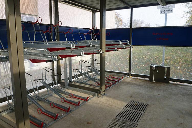 Hopital et CHU  Blois 41 - Abri Vélos Sécurisé NOMAD - Pret à poser - Support Vélos 2 Park Up - Pour stationner les vélos sur 2 étages et gagner de la place de stationnement - Abri Plus.jpg