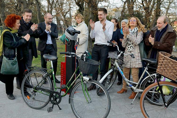 Inauguration de la station de réparation vélos Deluxe dans la Ville de Talence (33) - Bikefixtation par Abri Plus - Copyright Mairie de Talence©