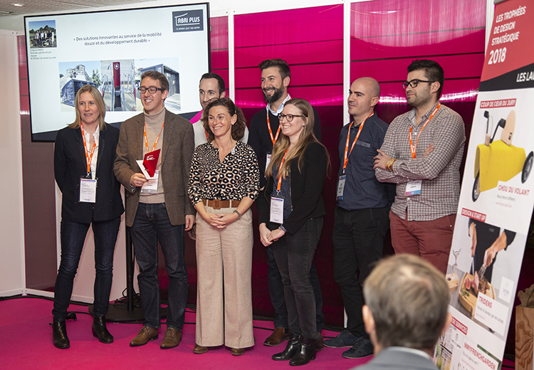 Remise du Trophée du Design global à l'équipe d'Abri Plus
