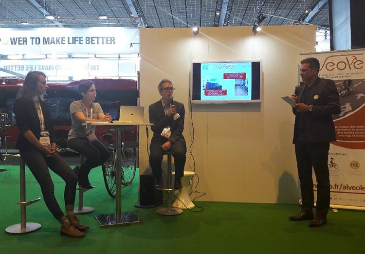 Salon TP2018 - Grégoire Maes ABRI PLUS présente les innovations de stationnements vélos et VAE
